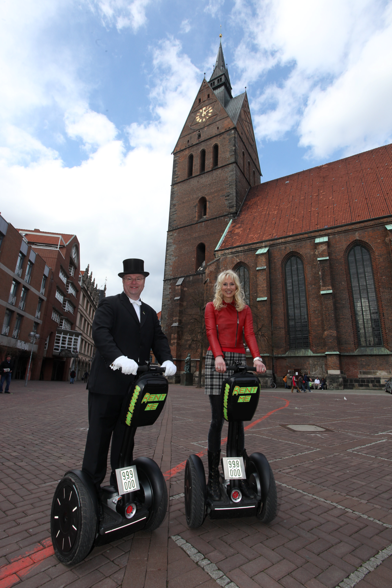 Thorald und Elischeba vor der Marktkirche